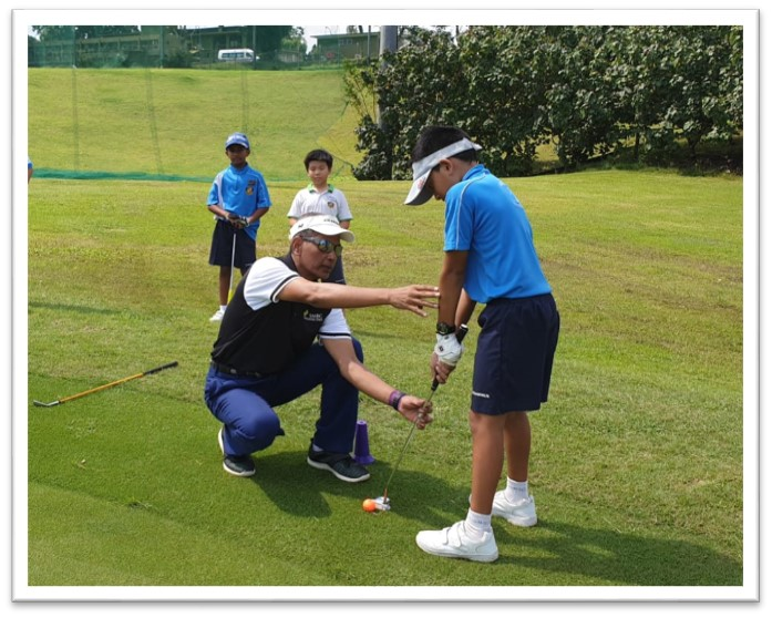 Course Play Practice - putting practice at Sembawang Country Club 2.jpg