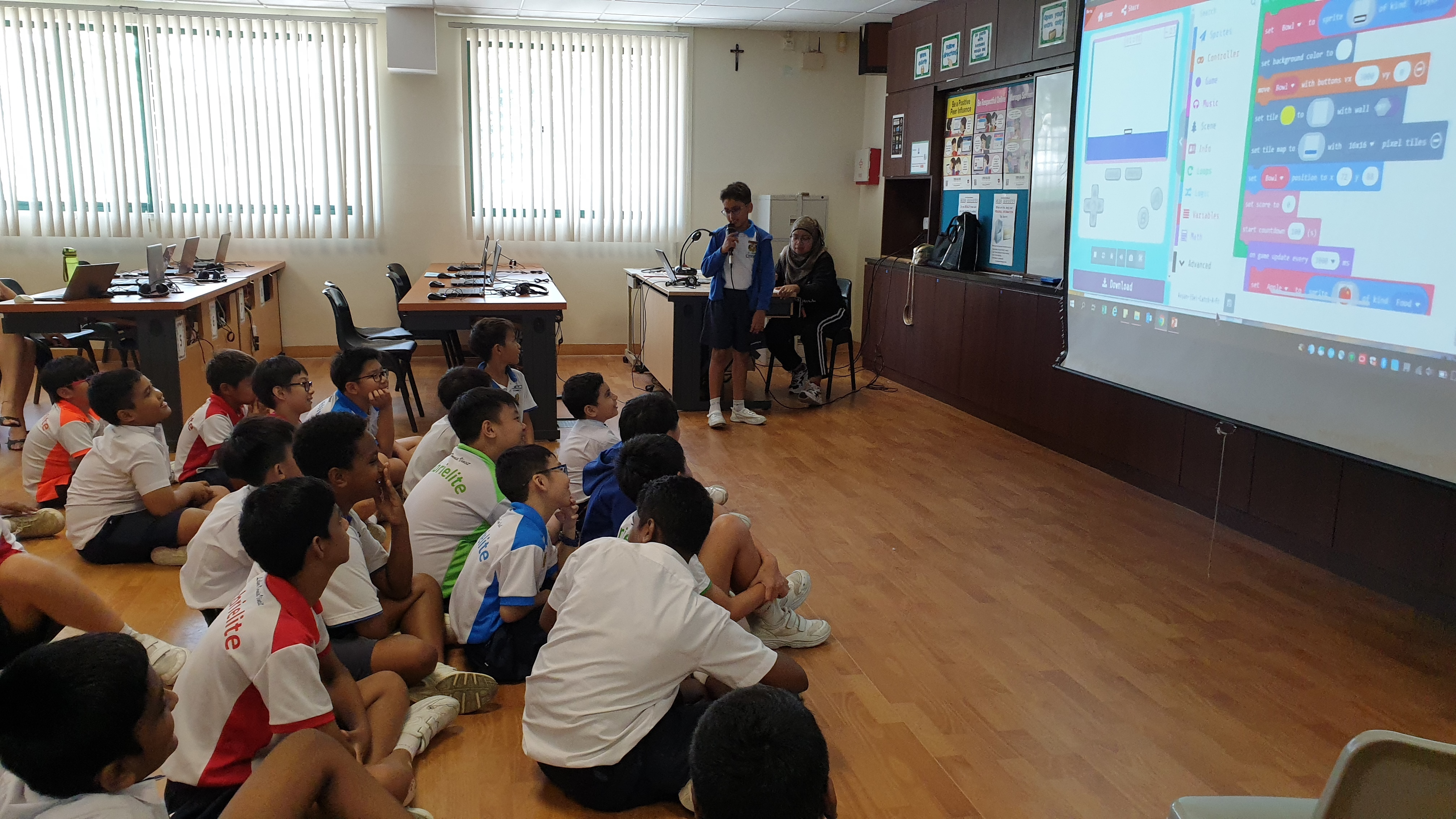 Avyan from 3SEL sharing his game ideas with the club members.jpg